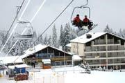 Schneesportler auf der Mörlialp. (Bild: Robert Hess / Neue OZ)
