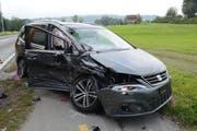 Beide Fahrzeuge waren nicht mehr fahrtüchtig und mussten abgeschleppt werden. (Bild: Luzerner Polizei)