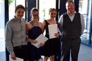 Der Preisträger und die Preisträgerinnen des Don Bosco Preises mit Oliver Kuhn (rechts). (Bild: PD)