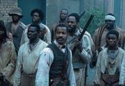 Nate Parker (Mitte) spielt den Sklavenanführer Nat Turner mit der gleichen Leidenschaft, mit der er auch Regie geführt hat. (Bild: 20th Century Fox)
