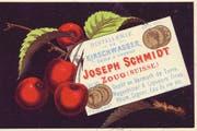 Postkarte «Distillerie de Kirschwasser, Joseph Schmidt, Zoug», nach 1878: Im Haus «Zum italienischen Keller» in der Zuger Vorstadt betrieb der frühere Tierarzt Schmidt ein Atelier für Fotografie sowie eine Wein- und Spirituosenhandlung. (Bild: Privatarchiv Ueli Kleeb, Zug)