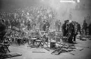 Gewaltausbruch: Nach dem Rolling-Stones-Konzert vom 14. April 1967 verwüsten Besucher das Mobiliar des Zürcher Hallenstadions. (Bild: Keystone)