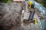 Vom Pumpenhaus an der Unteralpreuss werden Leitungen für die Beschneiungsanlage gezogen. (Bild PD)