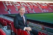 Ralph Krueger sitzt auf der Haupttribüne des St. Mary's Stadium von Southampton. «Das Fundament ist hier hervorragend», sagt er über den Klub aus dem Süden Englands. (Bild: PD)