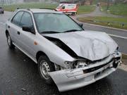 Das Unfallauto nach der Kollision mit dem Motorrrad. (Bild: Luzerner Polizei)