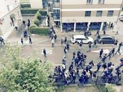 Gewaltbereite Chaoten wüten in der Stadt Luzern in der Voltastrasse. (Bild: Leserbild)