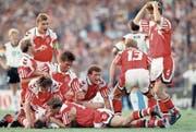 Sie konnten es selber kaum fassen: So feierten die Dänen den EM-Titel von 1992. (Bild: Shaun Botterill/Getty (Göteborg, 26. Juni 1992))