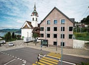 Im Gemeindehaus von Walchwil rechnet man mit mehr Sozialhilfebezügern. (Bild: Stefan Kaiser (19. August 2016))