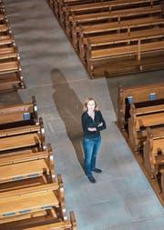 Sucht mit ihrem Collegium Vocale zu Franziskanern immer wieder die Zusammenarbeit mit anderen Chören: Chornacht-Initiantin Ulrike Grosch in der Franziskanerkirche. (Bild: Dominik Wunderli (17. September 2017))