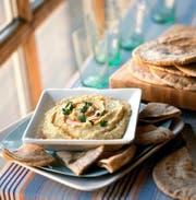 Eine gute Wahl: Hummus-Schälchen mit Fladenbrot. Bild: Getty