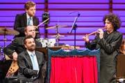 Musiker, Erzähler, Zauberer: Alex Porter überzeugte in allen Funktionen. (Bild: Philipp Schmidli)