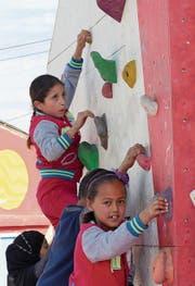 Junge Klettererinnen aus Syrien in Bar Elias. (Bild: Tom Mustroph)