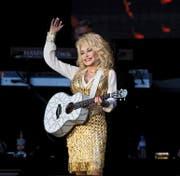«Unsere Welt wird immer schneller, lauter und komplizierter. Damit wächst die Sehnsucht nach einem simplen Gegenpol», sagt Dolly Parton. (Bild: Keystone)