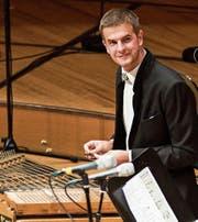 Moderator am Hackbrett: Nicolas Senn bei einem früheren Auftritt an der Volksmusik-Gala des World Band Festival. (Bild: Nadia Schärli)