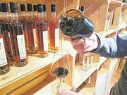 Das Destillat aus Zuckerrübenmelasse hat fruchtig-würzige Aromen. (Bild: Andreas Bättig)