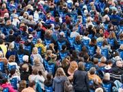 Der Kanton Genf zählt fast 16'000 mehr Frauen als Männer. Ganz anders im Kanton Schwyz: Dort stellt das männliche Geschlecht die Mehrheit der Bevölkerung. (Symbolbild) (Bild: KEYSTONE/CHRISTIAN BEUTLER)
