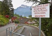 Der «Rotschuo» im Dornröschenschlaf: Hier wird ein neues Hotel entstehen. (Bild Silvia Camenzind)