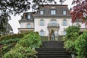 Die 1786 erbaute Villa Krämerstein ist baulich nicht mehr in einem guten Zustand. (Bild: Nadia Schärli (Horw, 1. Mai 2017))