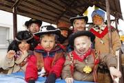 Cowboys und Indianer bevölkern die Stanser Kinderfasnacht. (Bild: André A. Niederberger)