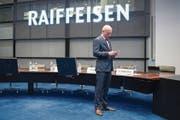 Raiffeisen-Chef Patrik Gisel nach der gestrigen Bilanzmedienkonferenz in St. Gallen. (Bild: Ennio Leanza/Keystone (24. Februar 2017))