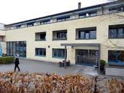 Tatort Alterszentrum Hochweid in Kilchberg (ZH). Im November 2013 wurde dort eine Bewohnerin einer Alterswohnung getötet und beraubt. (Bild: KEYSTONE/WALTER BIERI)