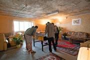 In der umfunktionierten Zivilschutzanlage Buchrain leben seit diesem März rund 80 männliche Asylbewerber. (Bild Roger Gruetter)
