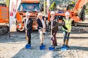 Spatenstich für den Prodega-Abholmarkt in Kriens (von links): Ralph Zigerlig, Peter Wyss (beide Prodega/Growa/Transgourmet), Fritz Ulmann (Coop) und Manuel Schneider (Losinger Marazzi AG) (Bild: PD)