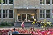 Eingang zur Zentral- und Hochschulbibliothek (ZHB). (Bild: Pius Amrein (Luzern, 11.09.14))