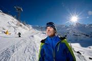 Jeder ist frei in der Preisgestaltung: Peter Reinle, Marketingleiter der Titlis-Bergbahnen, auf einer Piste im Titlisgebiet. Bild: Pius Amrein (12. November 2016)