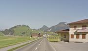 Kernserstrasse Ennetmoos mit Schützenhaus. (Bild: Google Maps)