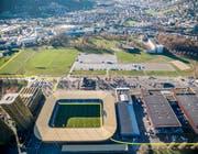 Neu führt der Swiss City Marathon Lucerne durch die Swissporarena auf der Luzerner Allmend (siehe gelbe Markierung). (Bild: pd)