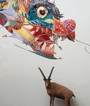 Ai Weiwei auch im Zoologie-Museum: Sein Winddrache symbolisiert individuelle Freiheit. (Bilder: Martin Preisser)