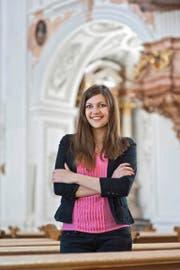 Jacqueline Straub (25), hier in der Luzerner Jesuitenkirche, fühlt sich von Gott berufen. (Archivbild Boris Bürgisser)