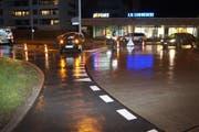 Der Lenker fuhr in falscher Richtung in den Kreisel Neuhofstrasse hinein. (Bild: PD)