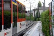 Für den Doppelspurausbau der Zentralbahn - hier bei der Station Hergiswil-Matt - werden drei Vorprojekte erarbeitet. (Bild: Robert Hess)