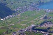 Blick vom Stanserhorn auf den Flugplatz Buochs. (Bild: Archiv Markus von Rotz / Neue NZ)