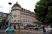 Das Hotel Anker am stark frequentierten Pilatusplatz. (Bild: Archiv Eveline Beerkircher/Neue LZ)