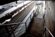 Hier wartete man ab Freitag vormittag vergebens auf einen Zug: Haltestelle Gersag in Emmenbrücke. (Bild: Nadja Schärli/Archiv LZ)