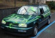 Diesen VW erwischte es am schlimmsten. (Bild Luzerner Polizei)