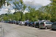 Auf dem Lido-Parkplatz wird eine Schrankenanlage gebaut. (Bild: Google Street View (Symbolbild))