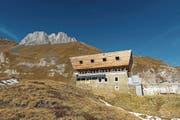Die Corno-Gries-Hütte im Bedrettotal gehört zum Immobilienportfolio des SAC Zug.