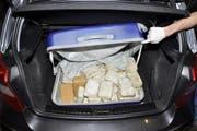 In diesem Koffer wurde das Heroin gefunden. (Bild: Zuger Polizei)