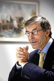 Uni-Rektor Paul Richli (67) gestern in seinem Büro im Uni-Gebäude an der Frohburgstrasse in Luzern. (Bild Nadia Schärli)