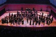 Durch die Beweglichkeit aller Akteure auf der KKL-Bühne wurde die Aufführung zu einem besonderen Erlebnis. (Bild: Thomas Krähenbühl)