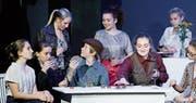 Die Schauspieler setzten das Stück mit viel Herzblut um. (Bild: Stefan Kaiser (Zug, 16. Dezember 2017))
