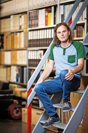 Die Bürokratie machte Matthias Burki zum Verleger. Zu einem sehr erfolgreichen. (Bild Philipp Schmidli)