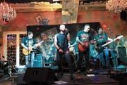 Die Zuger Band Joker bei ihrem Comeback nach 16 Jahren im «Dukes» in Sihlbrugg. (Bild: Charly Keiser (25. November 2017))