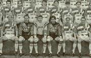 Christoph Gilli (untere Reihe, Zweiter von rechts) bei der Teampräsentation des FC Luzerns für die Saison 1992/93 in der NLB. (Archivbild Neue LZ)