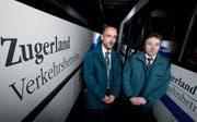Alexander Dittrich, links, und Michael Heuschkel aus Deutschland sind Busfahrer bei den Zugerland Verkehrsbetrieben. (Bild Stefan Kaiser/Neue ZZ)