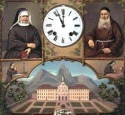 Frontgebilde des Uhrengehäuses im Mutterhaus der Barmherzigen Schwestern in Ingenbohl: Es zeigt die Gründerpersönlichkeiten Maria Theresia Scherer und Theodosius Florentini sowie das Mutterhaus. (Bild: PD)